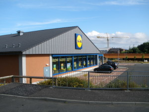 Lidl_store_Port_Glasgow_-_geograph.org.uk_-_1395380
