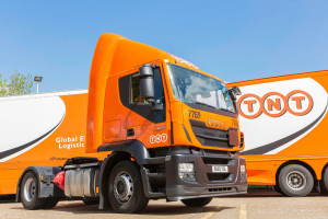 TNT UK has added 20 Euro VI Iveco Stralis Hi-Road 4x2 tractor units to its fleet, supplied through Iveco dealer Sherwood Truck & Van.