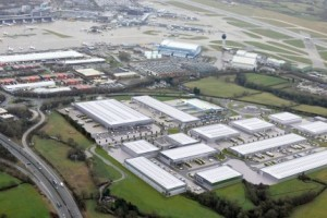 amazon-to-create-1-500-jobs-by-opening-mega-warehouse-at-airport-city-manchester-news
