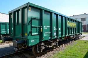 Freightliner builds first European standard box wagons