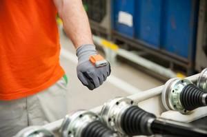 Škoda 'smart glove' for logistics