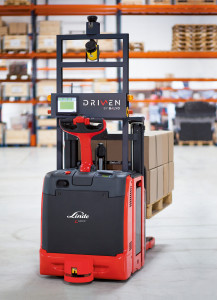 Linde exhibits at IntraLogisteX with robotics solution.