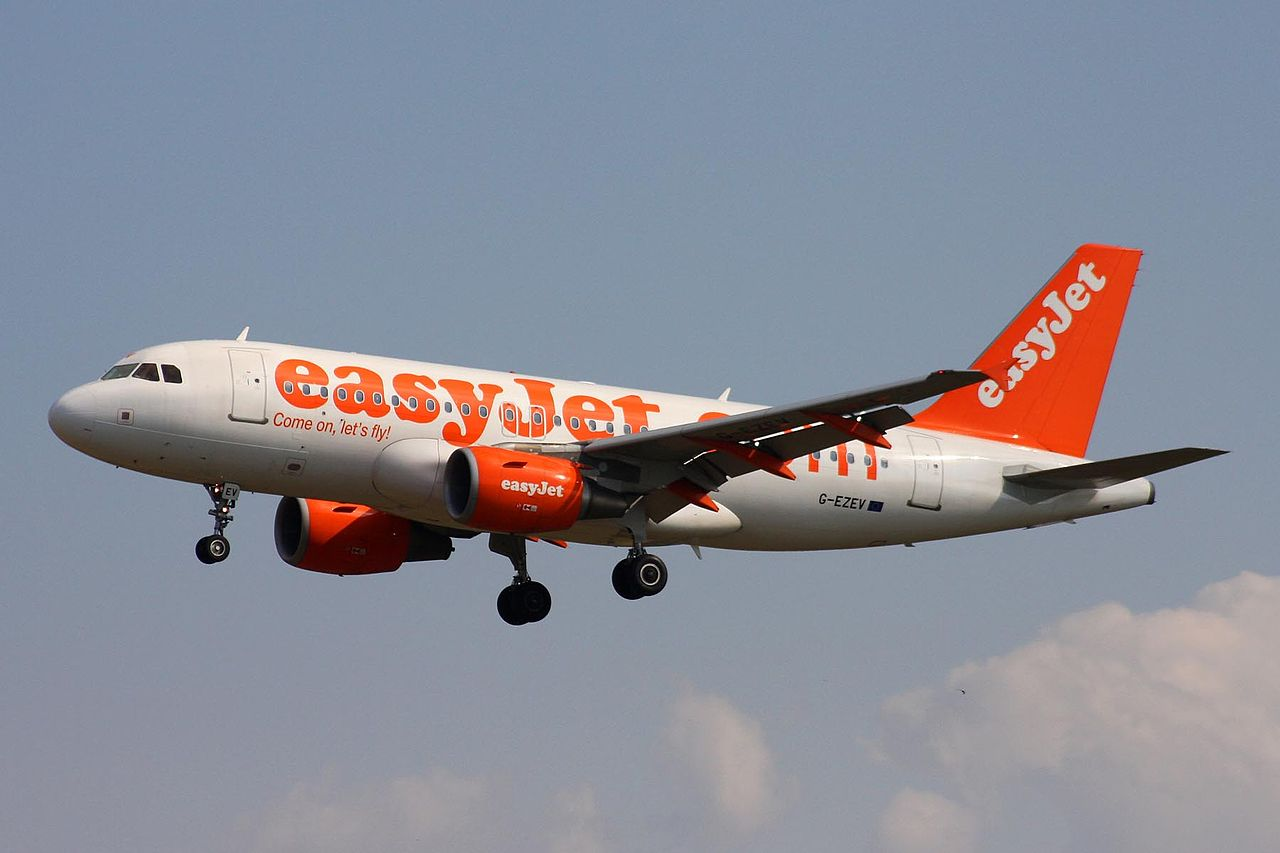 easyjet - photo #10